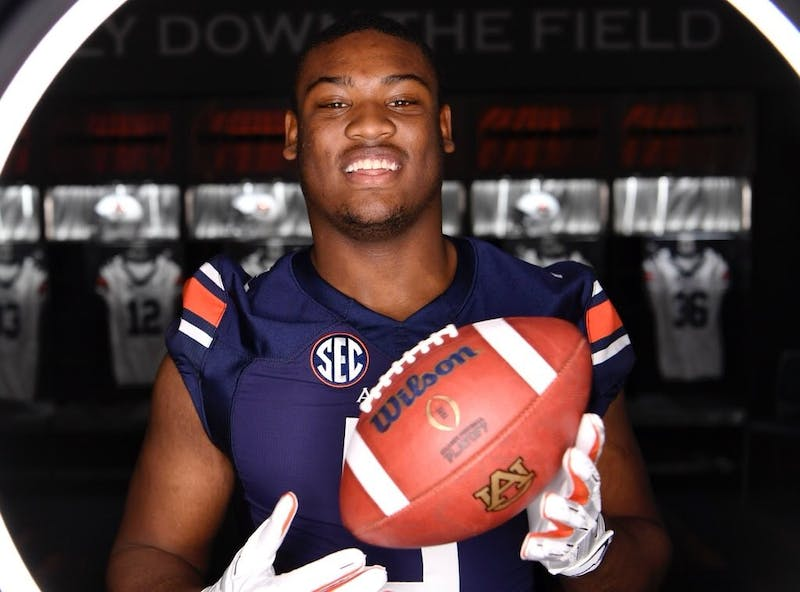 Auburn tight end Jeremiah Pegues on a recruiting visit. Photo courtesy: Jeremiah Pegues/Twitter.