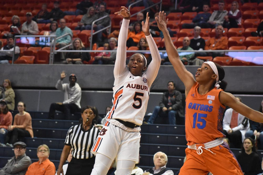 Report: Auburn's Brooke Moore enters transfer portal, second player to transfer Wednesday