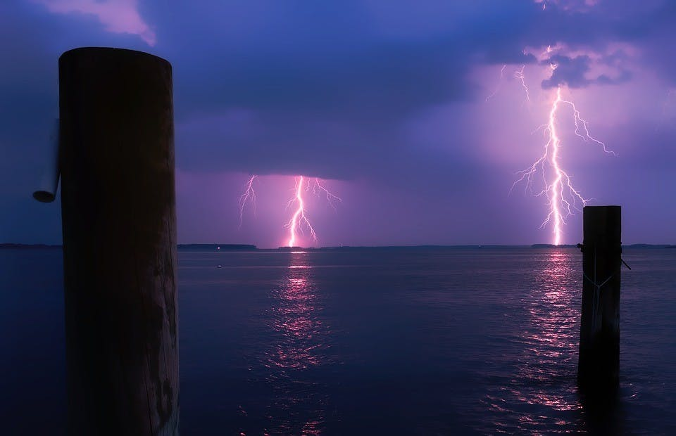 Lightning strike kills boater