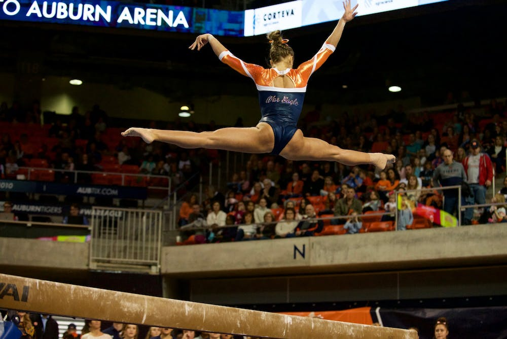 Auburn edges out Mizzou behind strong vault performance