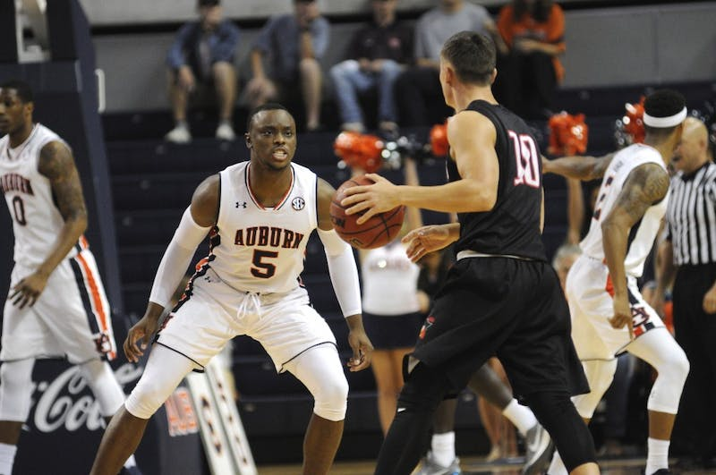 GALLERY: Auburn Men's Basketball vs. Barry | 11.2.17
