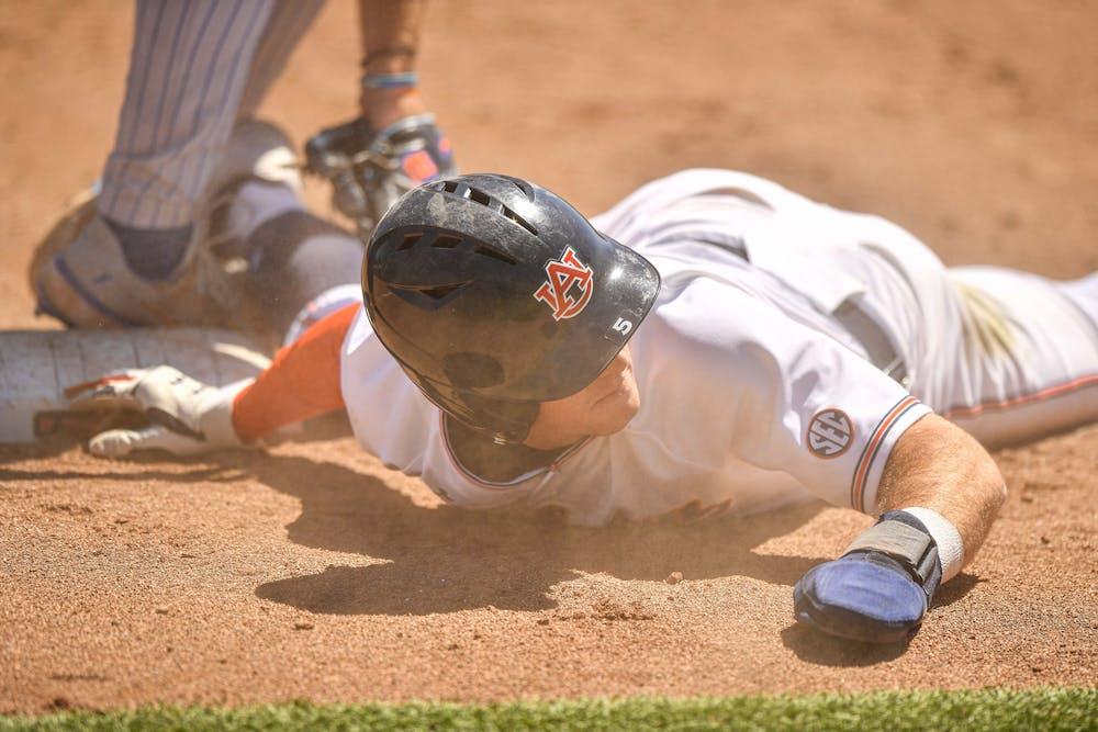 Auburn splits doubleheader with Florida, drops series