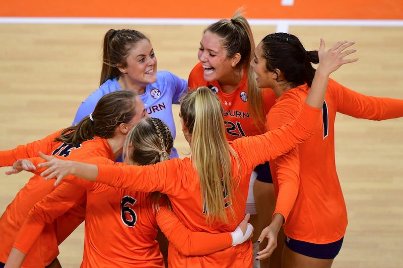 Auburn volleyball players react during the game between Auburn and Florida at Auburn Arena on Oct 21, 2020; Auburn, AL, USA.