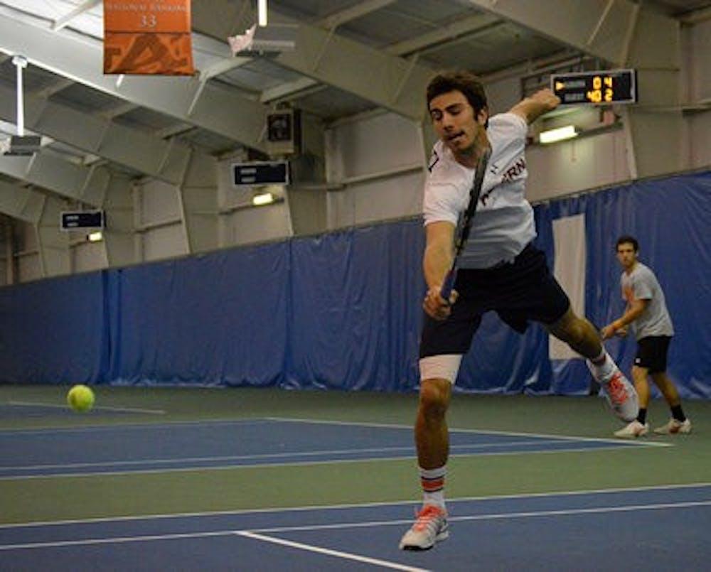 Hinnisdaels, Dikosavljevic close out tennis fall season