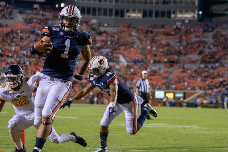 Joey Gatewood (1) runs the ball in for a touchdown during Auburn vs. Kent State, on Saturday, Sept. 14, 2019, in Auburn, Ala.