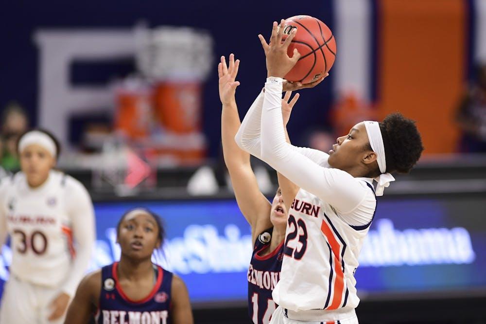 Auburn falls 62-58 to Ole Miss