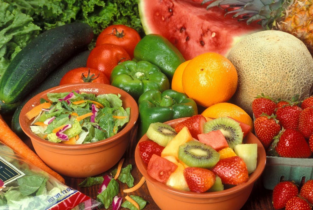 35128_fresh_cut_fruits_and_vegetables_1o