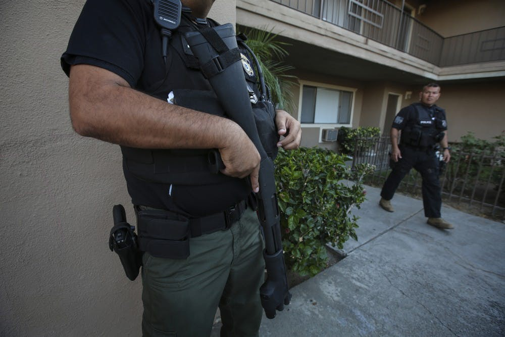 us_news_immigrationarrests_1_la
