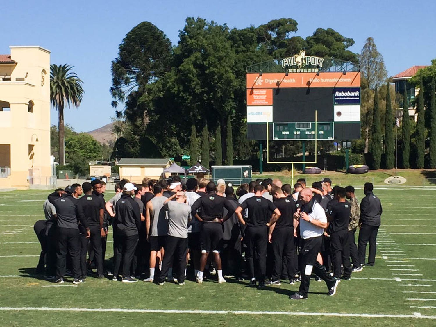 Smolar_football-home-opener-preview_CO-Brown-Bears-Athletics