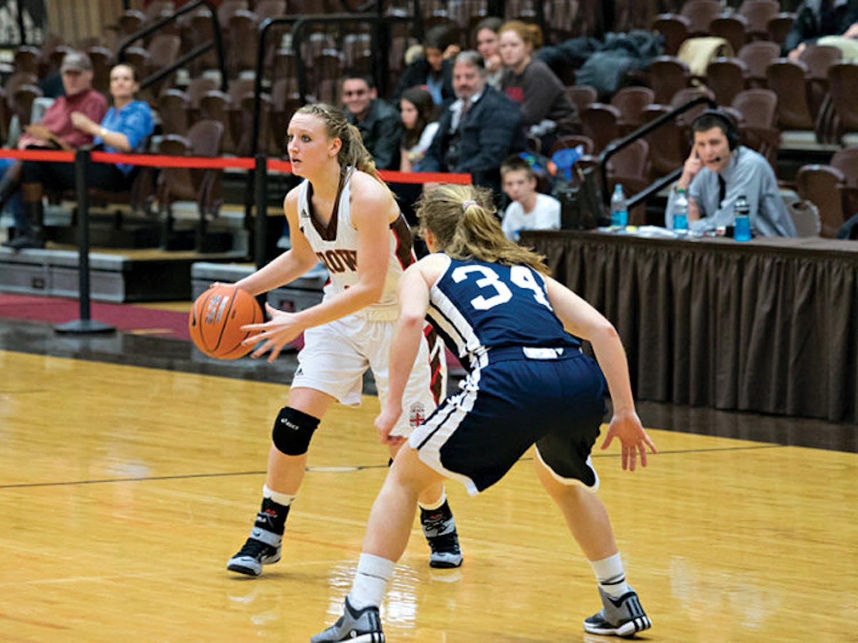ruffin_womens-basketball_dave-deckey