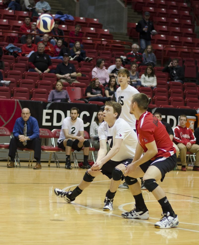 MEN'S VOLLEYBALL: Cardinals advance in tournament