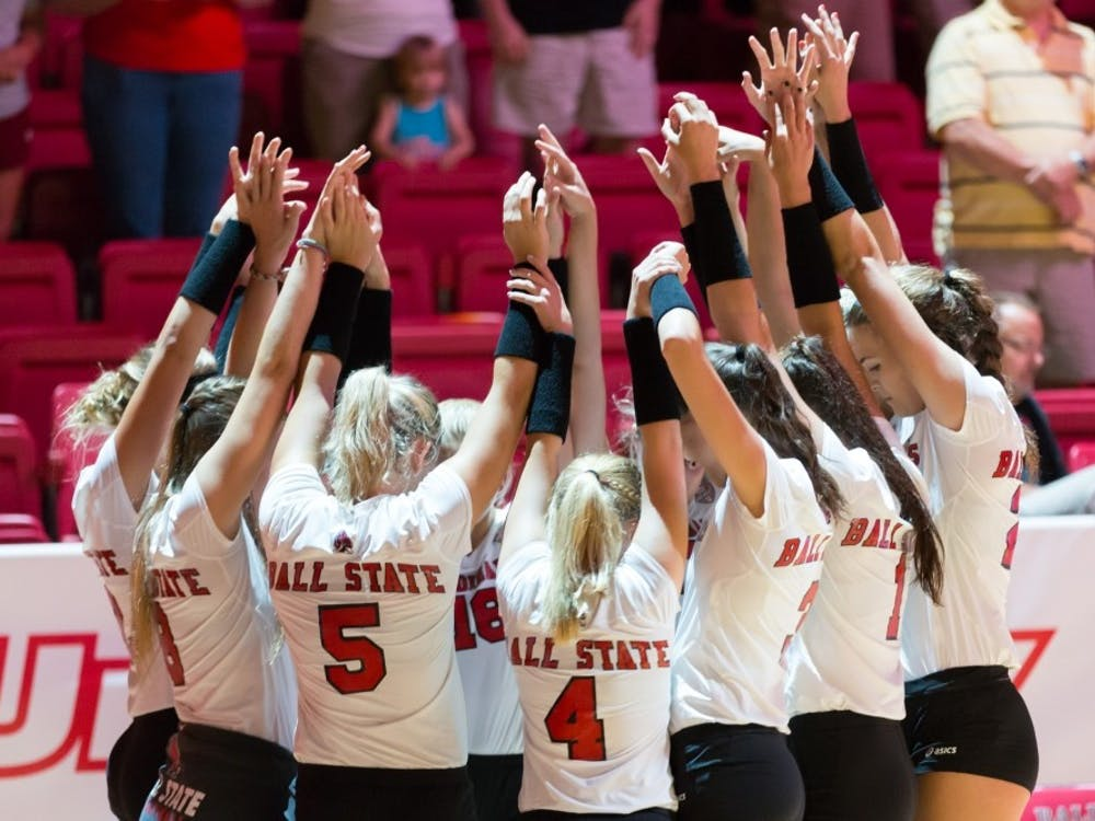 Ball State's women's volleyball team huddle up at the start of game against IUPUI on Aug. 31, 2016 at John E. Worthen Arena. Kyle Crawford // DN File