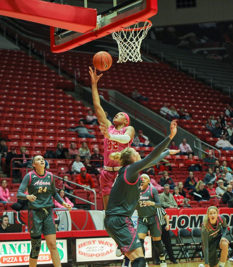 Junior forward forward Oshlynn Brown does a layup Feb. 8, 2020, at John E. Worthen arena. Brown scored seven points against the Akron Zips. Jaden Whiteman, DN