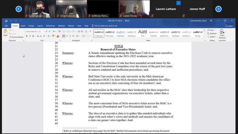 Senators review the amendment proposing to eliminate slates in future SGA elections. The amendment passed 21-11, with two abstentions and narrowly passed the two-thirds majority vote. Maya Wilkins, Screenshot Capture