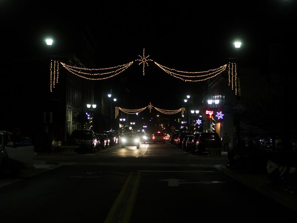 Light Up DWNTWN kicked off the holiday shopping season in downtown Muncie. Emma Rogers//DN