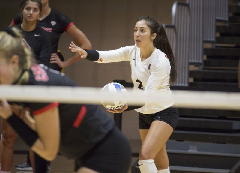 Volleyball continues to shine with 5-2 record against tough opponents