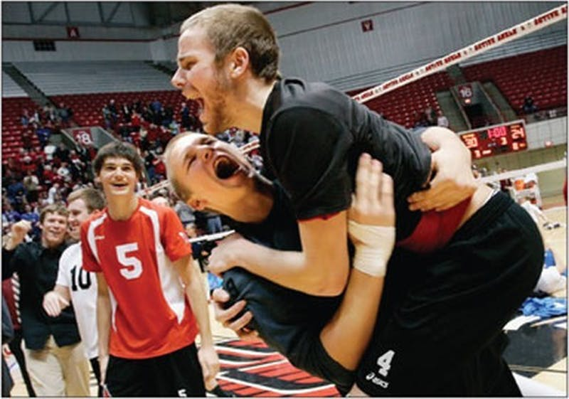 MEN'S VOLLEYBALL: West coast whomping