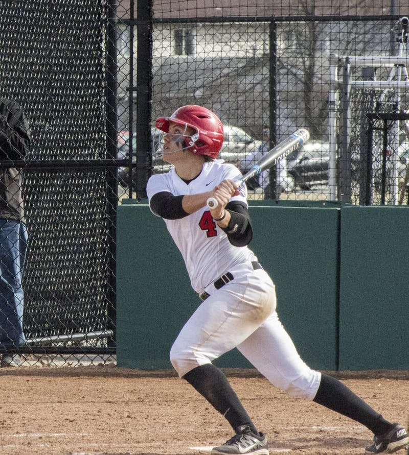 Softball team goes 2-3 in 2nd weekend of season