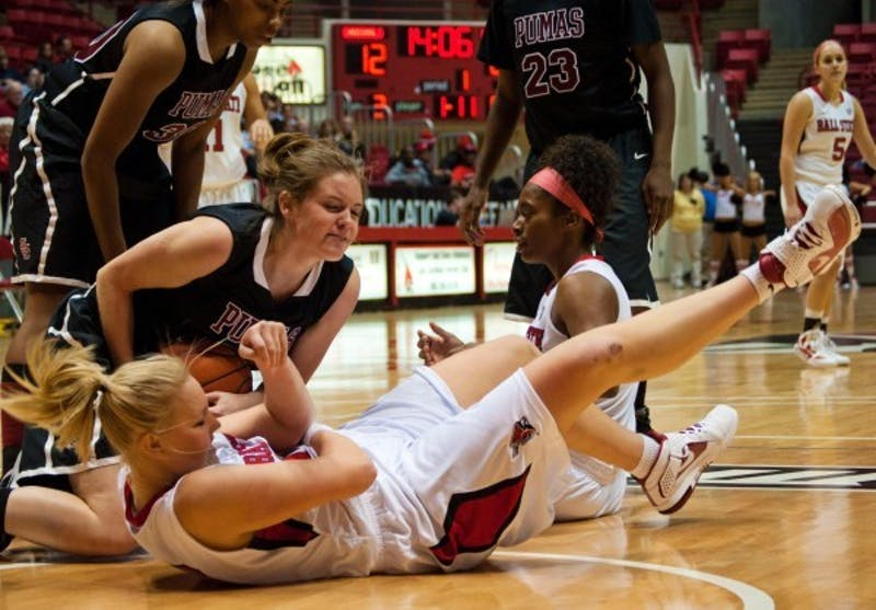 WOMEN'S BASKETBALL: Coach will face challenge this season with young team