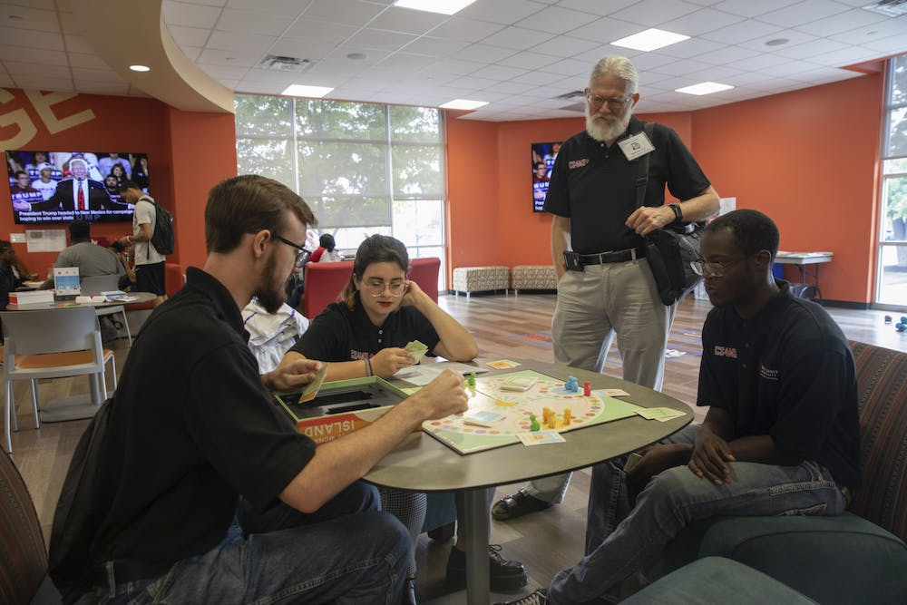 Immersive learning courses provide seniors with job skills