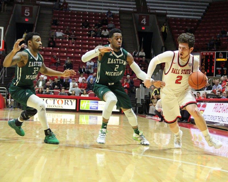 Men's basketball opens season in highly-attended Dayton Arena
