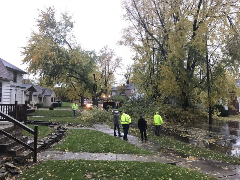 Sunday storms cause damage, power outages