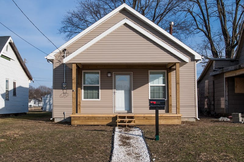 Muncie Mission opens first transitional houses
