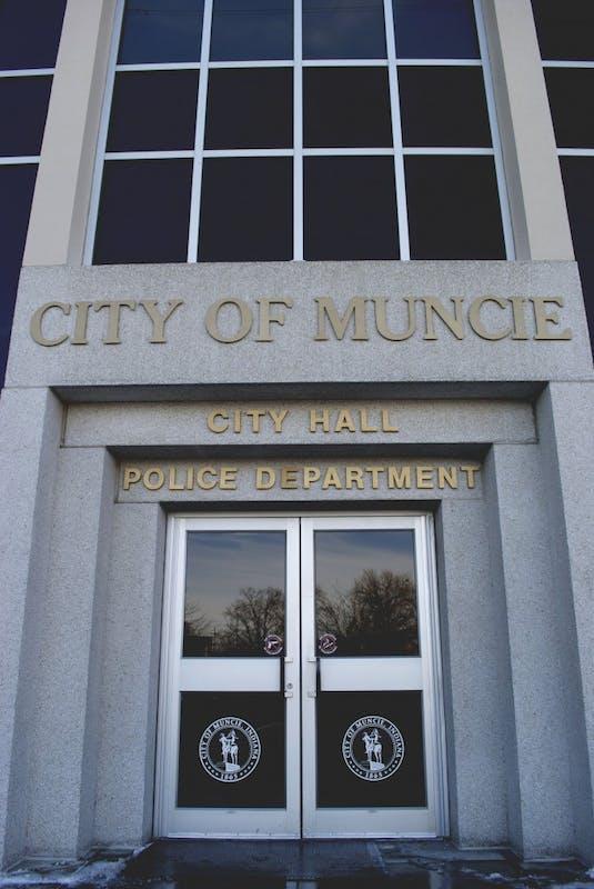 Muncie man shot dead in attempted apartment invasion
