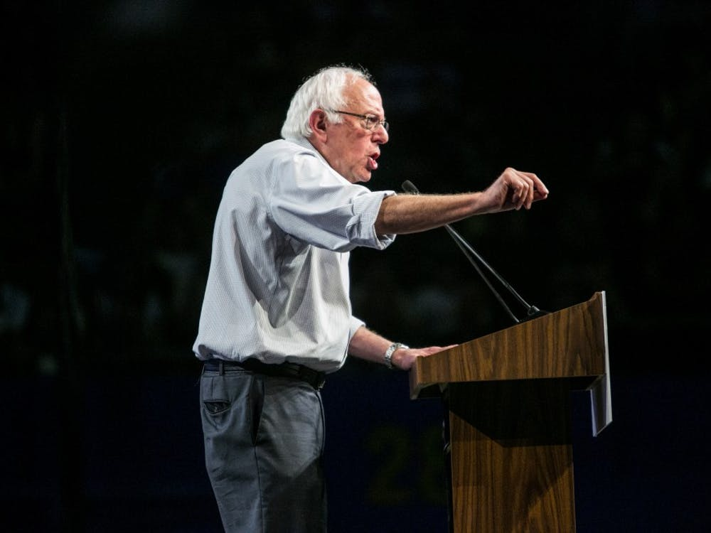 Presidential candidate Bernie Sanders speaks to a sold-out crowd during a campaign event in Los Angeles on Monday, Aug. 10, 2015. (Marcus Yam/Los Angeles Times/TNS)