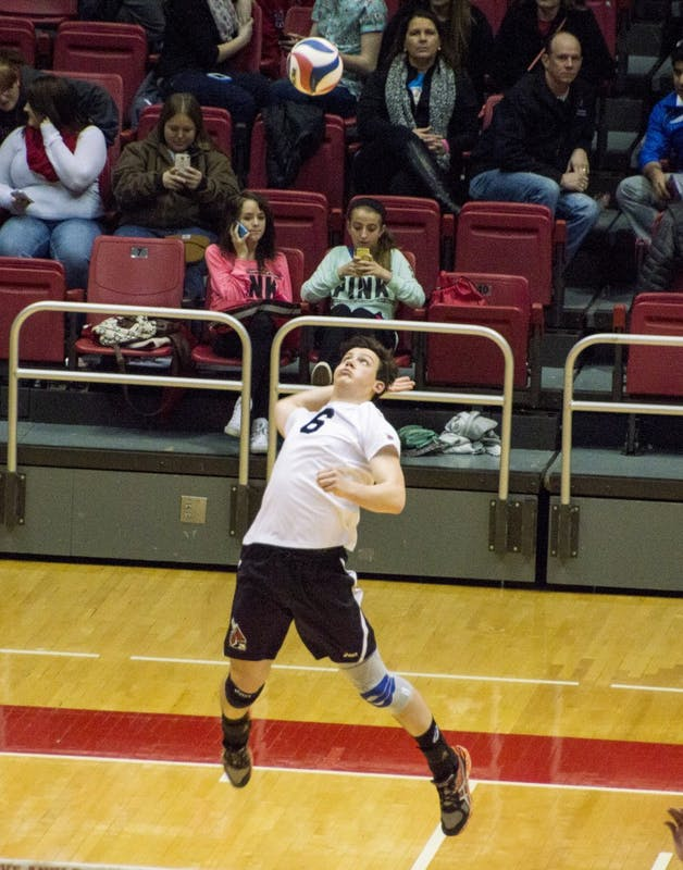 Ball State men's volleyball defeats Sacred Heart despite injury