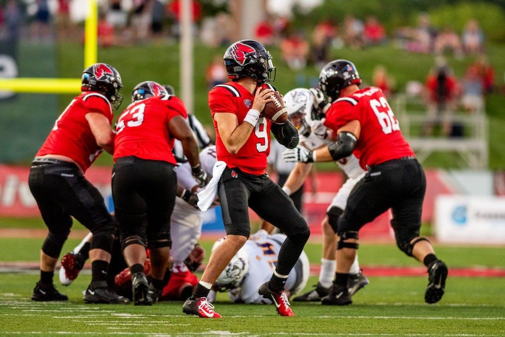 Ball State University quaterback, Drew Plitt, reviews his passing options against Western Illinois on September 2nd, 2021 at Scheumann Stadium. Kyle Atkisson, DN