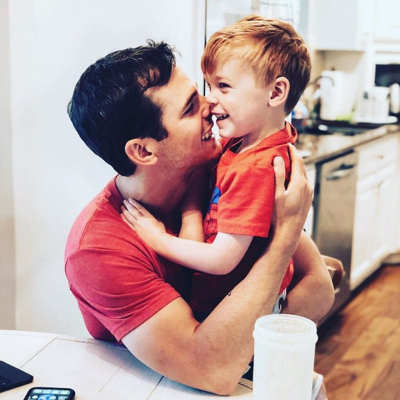 Country singer, comedian Granger Smith's son, 3, dies in 'tragic accident'