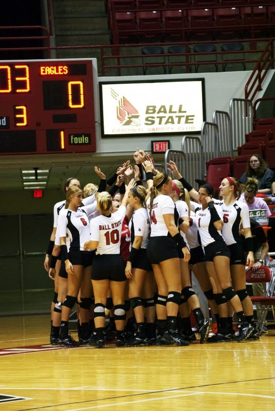 WOMEN'S VOLLEYBALL: Ball State ends regular season with victory over Akron
