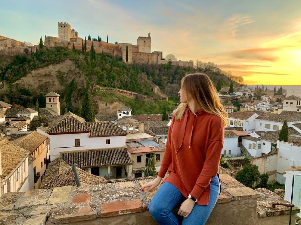 Sincerely, Liz: Adiós España