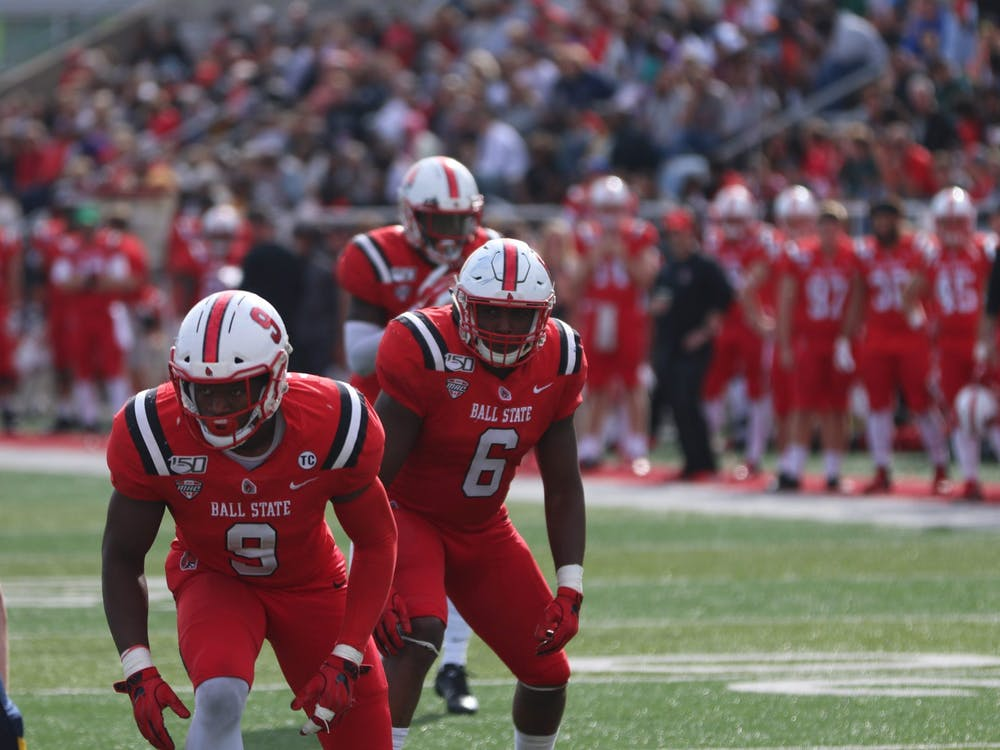 Junior outside linebacker Christian Albright (9) and redshirt junior inside linebacker Jay Thomas (6) line up against Toledo Oct. 19, 2019, at Scheumann Stadium. Ball State beat Toledo, 52-14. Jacob Musselman, DN