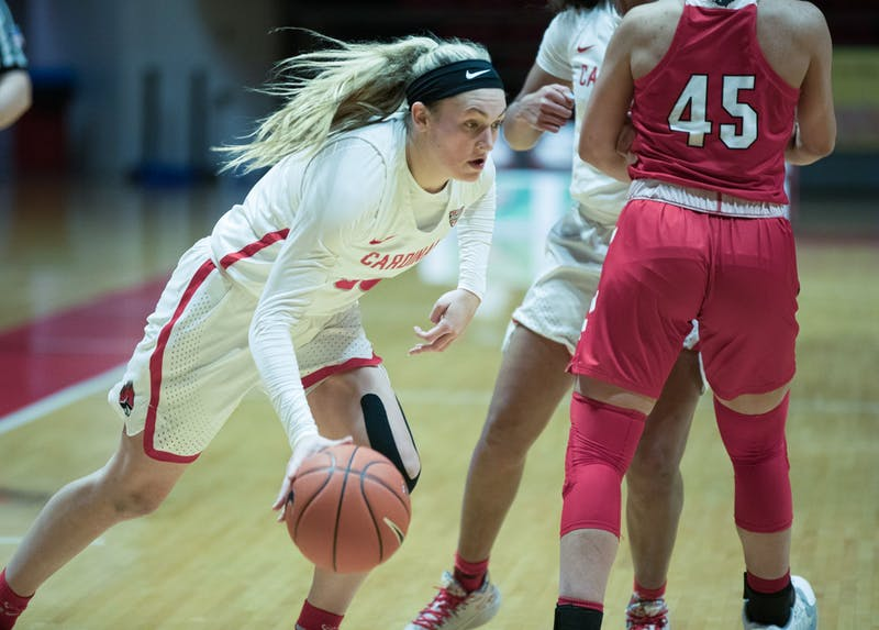 Cardinals redshirt sophomore guard Anna Clephane going drives to the basket during a game against Miami University Jan. 27, 2021, at John E. Worthen Arena. The Cardinals took the win 85-82. Grace Walton, DN