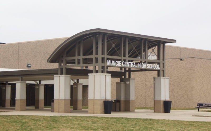 Muncie School District in deficit spending, sparks protest