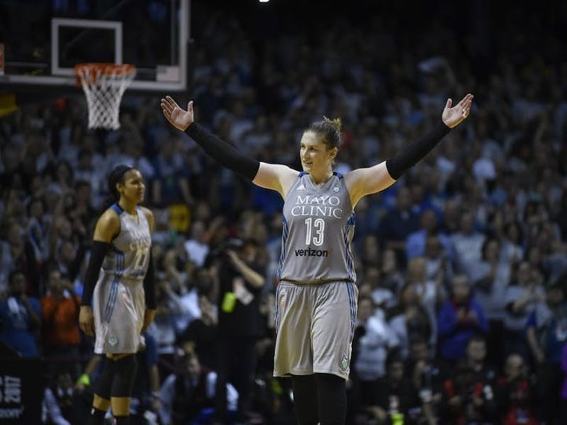 Lindsay Whalen acknowledges the crowd in the final seconds of Game 5 of the WNBA Finals against the Los Angeles Sparks in October 2017 at Williams Arena. The Lynx won the game, 85-76, to claim their fourth WNBA championship. (Star Tribune, TNS)