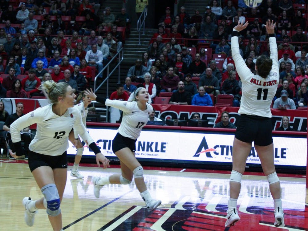 Senior setter Amber Seaman sets the ball for her teammates at the Ball State Women's Volleyball game against Akron Nov. 10, 2018, at John E. Worthen Arena. The Cardinals ended the regular season with a record of 21-8. Tailiyah Johnson, DN
