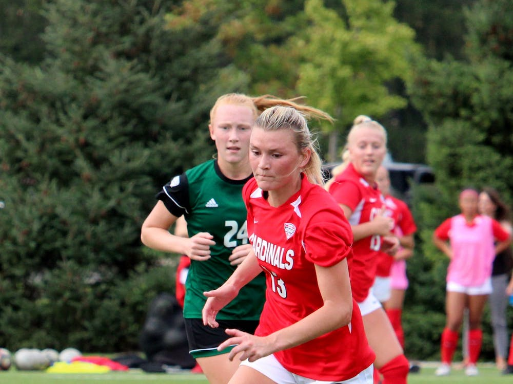 Senior defender Kennedy Metzger goes for the ball against Ohio on Oct. 14, 2021, at Briner Sports Complex in Muncie, IN. Amber Pietz, DN