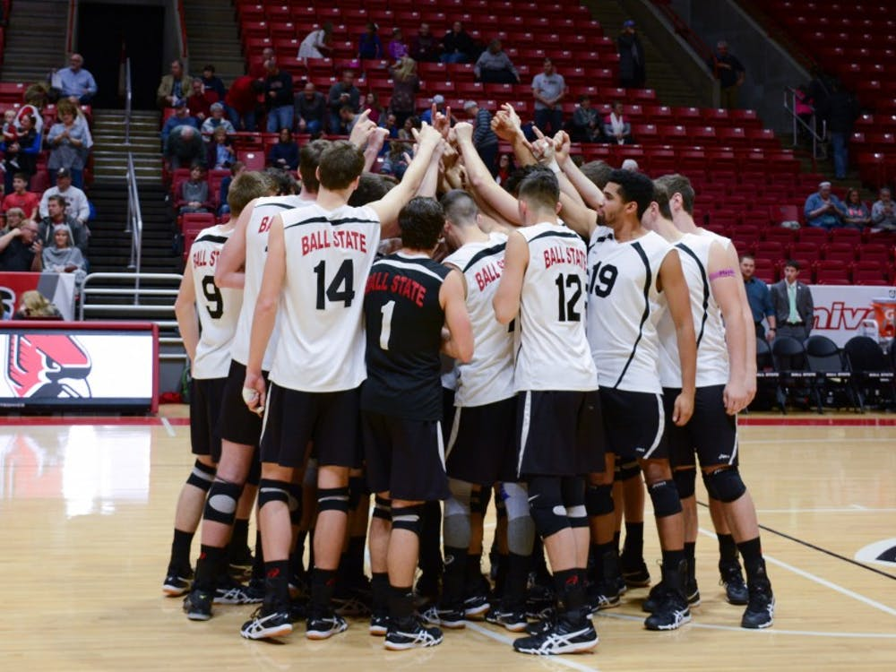 The Ball State men's volleyball team huddles before the game against New Jersey Institute of Technology on Jan. 27 in John E. Worthen Arena. The Cardinals gained a 3-1 win improving to 8-1 this season. Kaiti Sullivan // DN