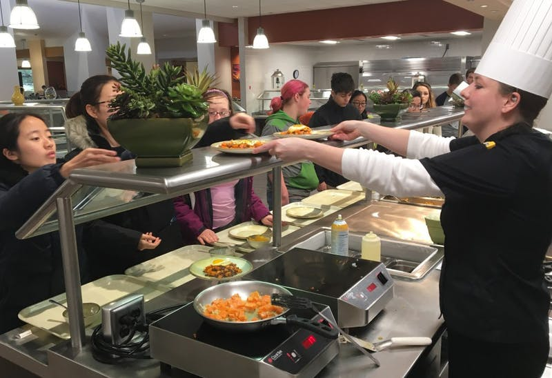 Elliott dining will now allow students to purchase carryout lunches. The change, which was unveiled in February, was created in order to Elliott and hopefully increase the dining hall's revenue. Suzanne Clem // Photo Provided