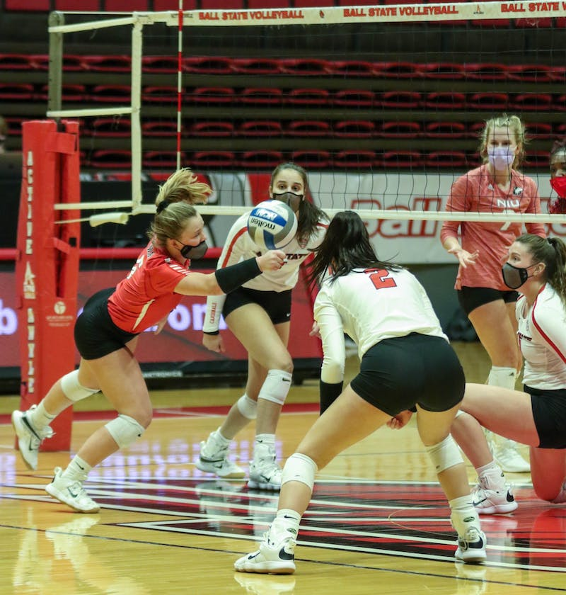 Ball State Women's Volleyball loses 0-3 against the Northern Illinois Huskies