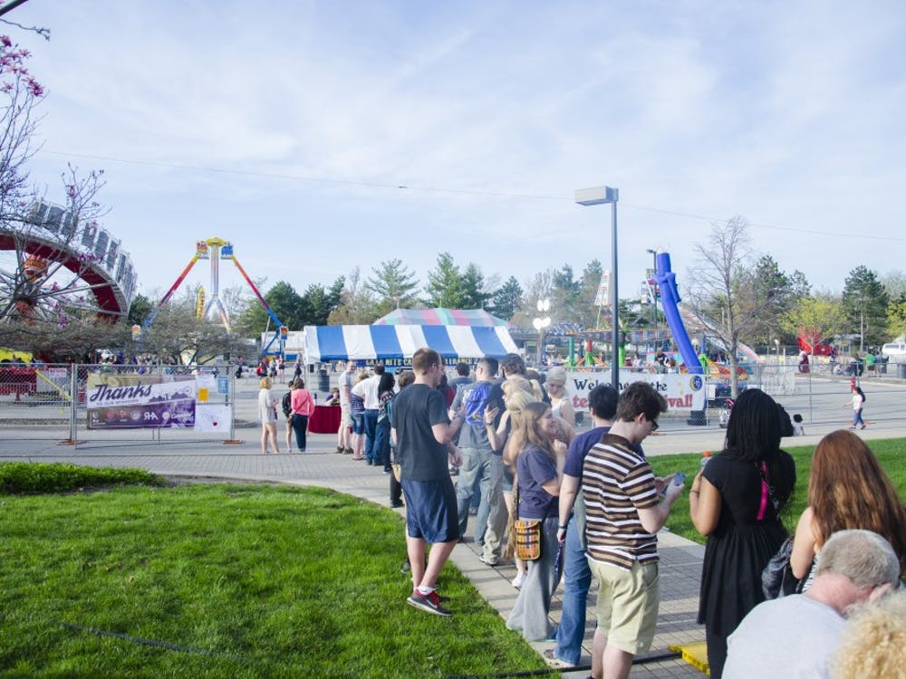 Late Nite hosted its annual Late Nite Carnival on April 17 in the commuter lot at Ball State. The Carnival featured games, rides, food and live entertainment.