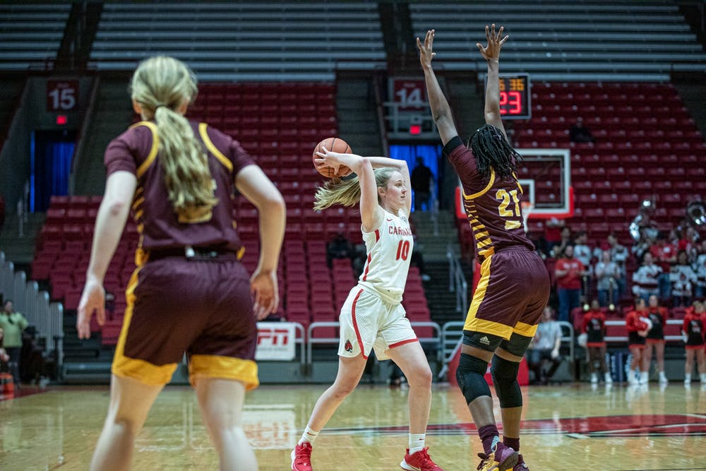 <p>Sophomore forward Thelma Dis Agustsdottir passes the ball late in the fourth quarter Feb. 29, 2020, at John E. Worthen Arena. The Cardinals scored 18 points in the fourth quarter. <strong>Jacob Musselman, DN</strong></p>