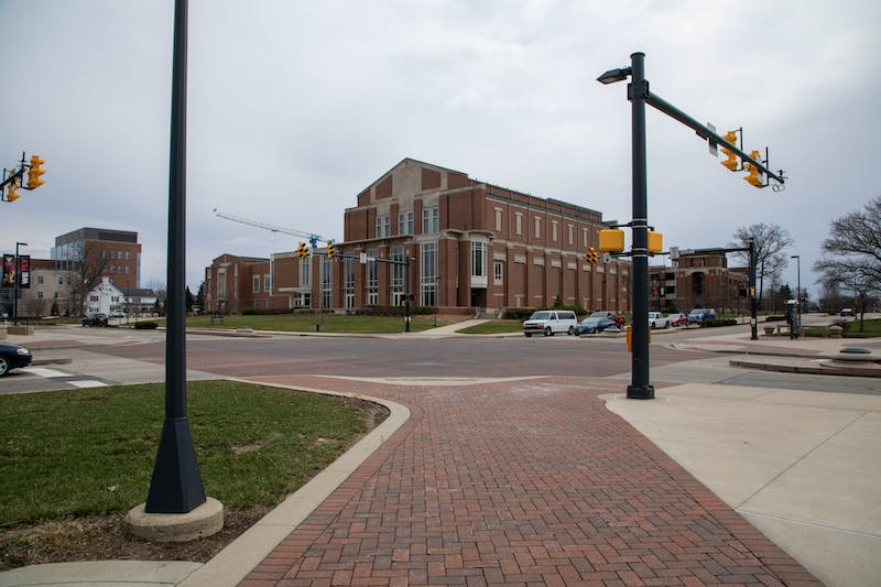 The Scramble Light stands empty at 3 p.m. March 16, 2020, on Ball State's campus. Ball State's Office of Student Affairs listed resources for students in need during the COVID-19 pandemic. Jaden Whiteman, DN