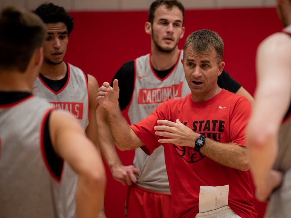 Ball State Men's Basketball head coach James Whitford talks with players during practice Sept. 24, 2019 at the Dr. Don Shondell Practice Center. The basketball season starts in early November. Eric Pritchett, DN