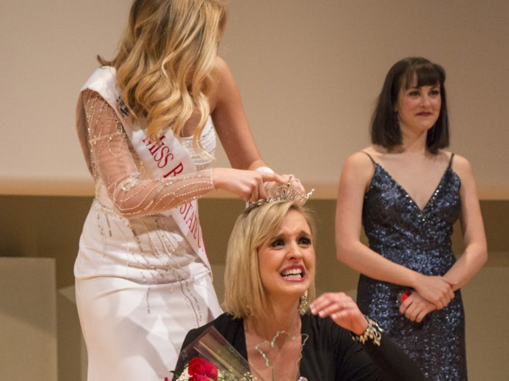 Chloe Anagnos wins pageant Friday night