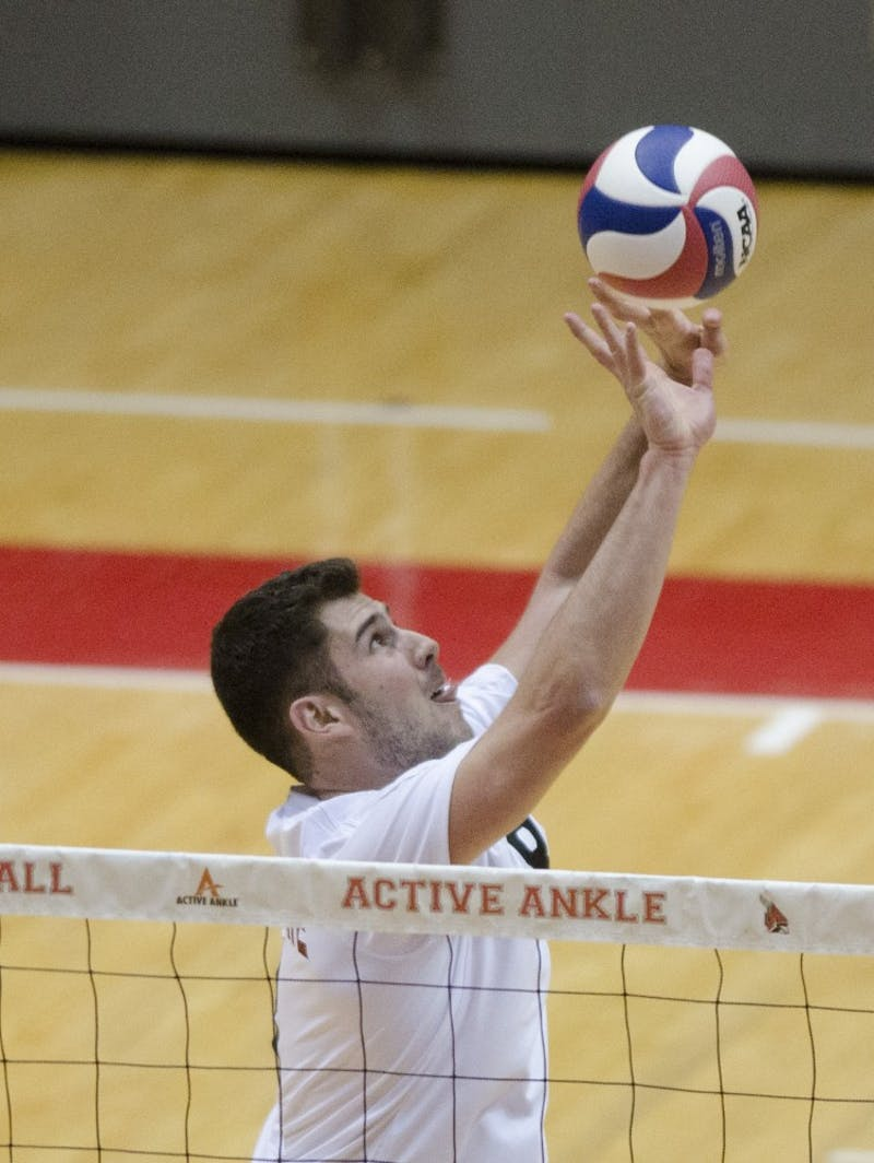 MEN'S VOLLEYBALL: Cardinals lose just one set in first two matches