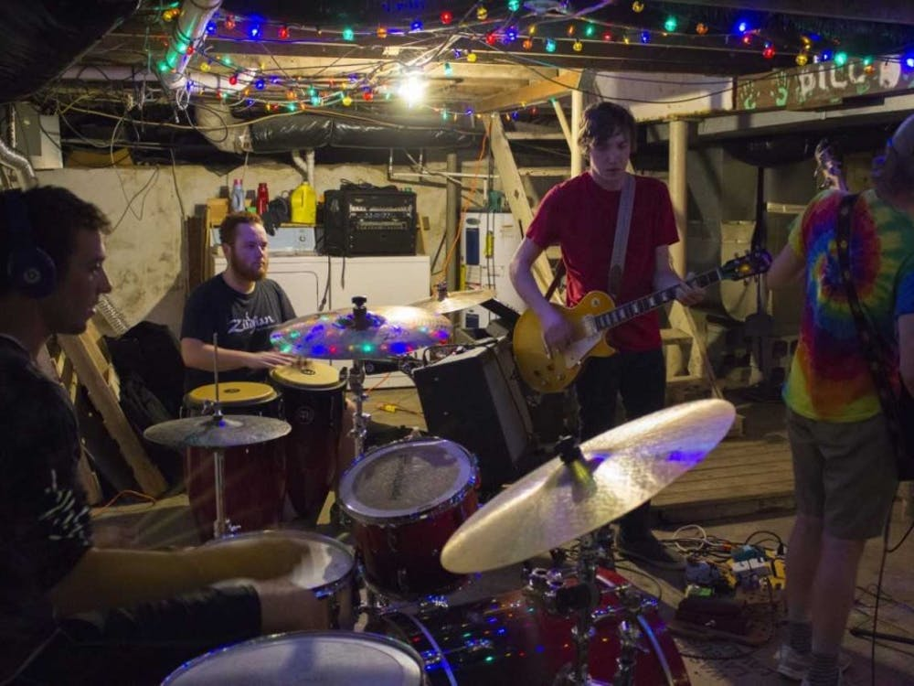 Porch Kat runs through their set in preparation for their show at Be Here Now Saturday, Aug. 25. Mary Eber, DN